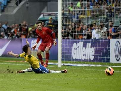 Neymar falló en cuatro ocasiones frente al marco de Lloris. Foto: Ricardo Matsukawa / Terra