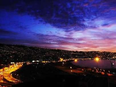 Vista nocturna de Valparaíso. Foto: Terra