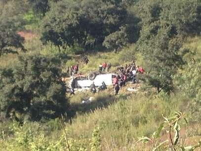 Al lugar llegaron elementos de la Policía Federal y de Naucalpan, así como bomberos municipales y del DF, además de tres helicópteros de rescate. Foto: @Jaime_Flores_M / Tomada de Twitter