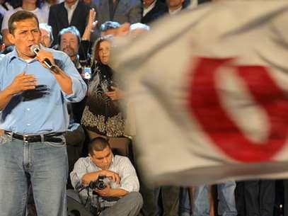 Humala indicó que Ítalo-Ponce fue su compañero de promoción, lo apoyó, pero no en estrategia política. Foto: AFP