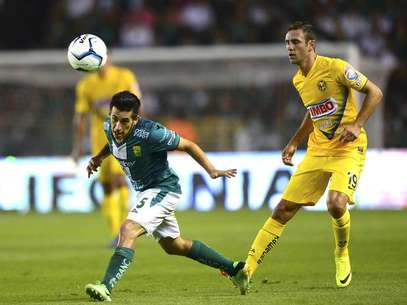 America begain the Apertura 2013 tournament on the road against Leon. The teams tied, 1-1. Foto: Mexsport