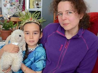 Agathe Devisme y su hija Ina. Foto: BBCMundo.com