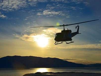 Groenlandia no tiene carreteras fuera de sus ciudades; el transporte interurbano es por bote, avión o helicóptero. Foto: BBCMundo.com