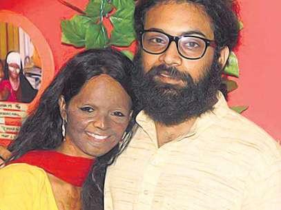 Laxmi y Alok se conocieron en 2013 gracias al trabajo de ambos. Foto: hindustantimes.com