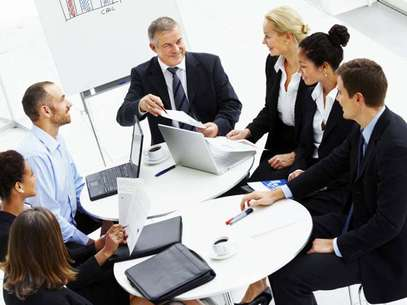 Amabilidad, puertas abiertas, son algunos de los tips que entrega un experto para poder ser un buen jefe. Foto: Reproducción