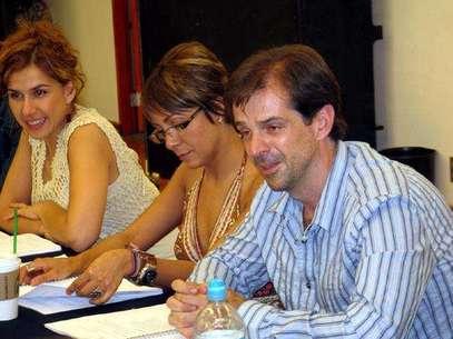 Dan lectura a la obra musical ranchera 'Si nos dejan'. Foto: Terra Networks México S.A. de C.V.