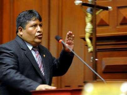 Congresista Emiliano Apaza fue suspendido por mentir en su hoja de vida. (Foto archivo) Foto: Gentileza
