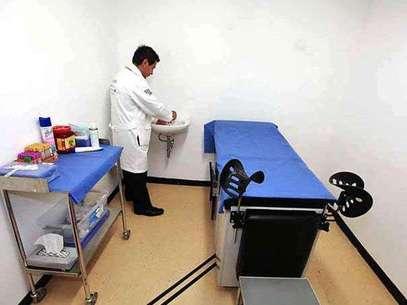 Antes del 30 de abril, afirmó Armando Ahued, Secretario de Salud del DF, se inaugurará una clínica más en la Estación Ermita. Foto: Reforma