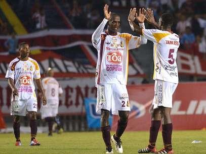 Deportes Tolima logró ganar en Barranquilla y sigue líder con 26 puntos Foto: Terra
