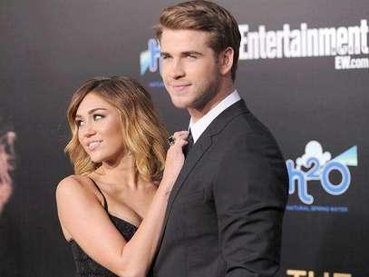 Miley Cyrus y su novio Liam Hemsworth. Foto: Getty