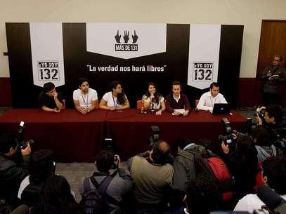 YoSoy132 en conferencia de prensa tras debate. Foto: Mario Castillo / Terra