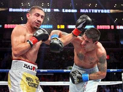El mexicano Humberto Soto fue derrotado por el argentino Lucas Matthysse en cinco rounds Foto: Jeff Gross / Getty Images