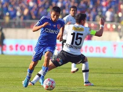 El peruano Raúl Ruidíaz pasará del fútbol chileno al brasileño. Foto: Agencia Uno