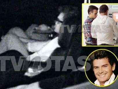 Sergio Basáñez de 'manita sudada' con otro hombre. Foto: TVNotas.com.mx