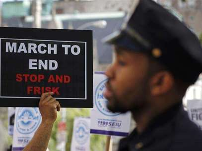 Demonstrators march during a protest in New York June 17, 2012. Foto: Eduardo Munoz / Reuters In English