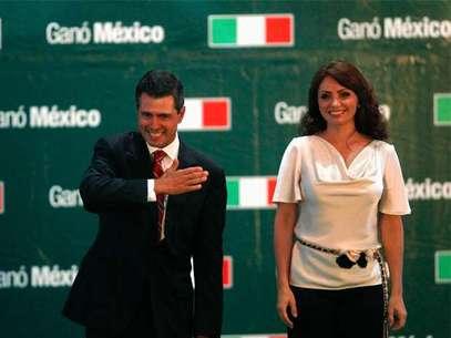 Enrique Peña Nieto junto a su esposa Angélica Rivera. Foto: Reuters