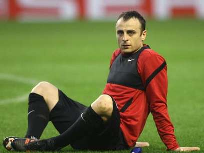 Dimitar Berbatov of Manchester United in action during a first team training session, ahead of the UEFA Europa League Round of 16 second leg match against Athletic Club of Bilbao, at San Mames Stadium on March 14, 2012 in Bilbao, Spain. Foto: Getty Images
