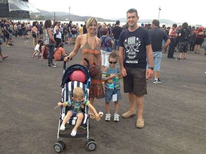 Una familia en Costa de Fuego Foto: María Ramiro / Terra
