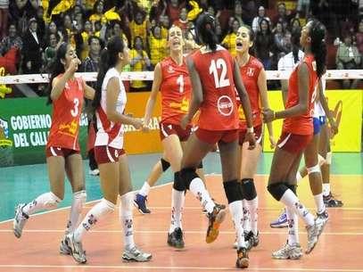 La selección de menores de vóley va por el título de la II Copa Plaza Vea. Foto: Vivevoley.com