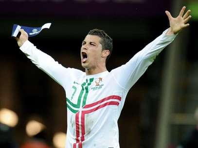 Cristiano Ronaldo lleva diez años en las canchas. Foto: AP