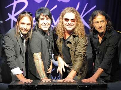 Maná hizo historia con su huellas como lo hicieron Carlos Santana, AC/DC y Aerosmith. Foto: AFP