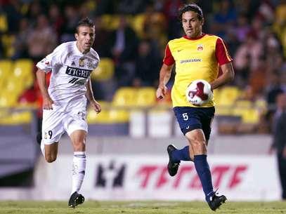 Morelia and Tigres drew 1-1 with goals from Lucas Lobos and Carlos Ochoa.  Foto: Mexsport