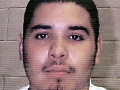 Esta fotografía sin fecha proporcionada el viernes 5 de octubre de 2012 por la Oficina de la Gobernadora de Nuevo México muestra al fugitivo Edward Salas.  Foto: AP