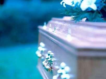 Comprar un servicio funerario por anticipado brinda un importante beneficio económico porque evita que los familiares realicen un desembolso fuerte e inesperado. Foto: Getty Images