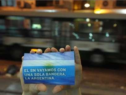 En 120 puntos de la Ciudad el PRO Capital, encabezado por Rodríguez Larreta, realizó una pegatina y repartió este afiche Foto: Télam