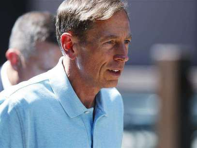 Director of the Central Intelligence Agency General David Petraeus attends the Allen & Co Media Conference in Sun Valley, Idaho July 12, 2012. Petraeus resigned as CIA director on November 9, 2012 he publicly admitted to having engaged in an extramarital affair. Picture taken July 12, 2012. Foto: Jim Urquhart / Reuters