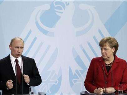 German Chancellor Angela Merkel and Russian President Vladimir Putin address the media after talks in Berlin, June 1, 2012. Foto: Tobias Schwarz / Reuters