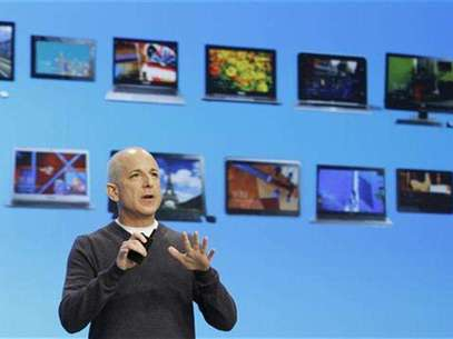 Steven Sinofsky, the President of the Windows and Windows Live Division at Microsoft, speaks at the launch event of Windows 8 operating system in New York, October 25, 2012. Foto: Lucas Jackson / Reuters