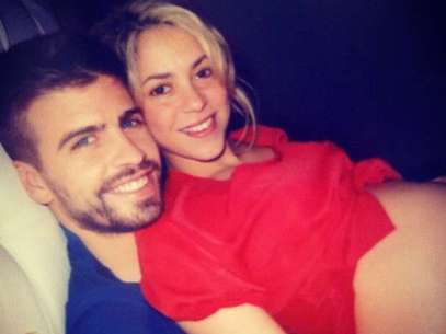 Shakira muestra su pancita de embarazada en Twitter Foto: Twitter Shakira