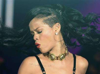 "Singer Rihanna performs at The Forum in Kentish Town in London November 19, 2012. Rihanna is in the UK to promote her latest album ""Unapologetic"". Foto: Dylan Martinez / Reuters"