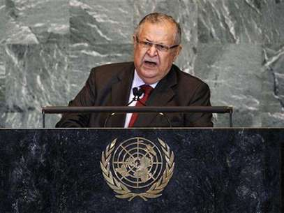 Iraq's President Jalal Talabani speaks to the media during a news conference in Baghdad in this November 23, 2010 file photo. Foto: Thaier al-Sudani / Reuters