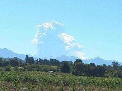 El volcán Copahue, en la Región del Biobío, entró en actividad. Foto: @troncosaurio