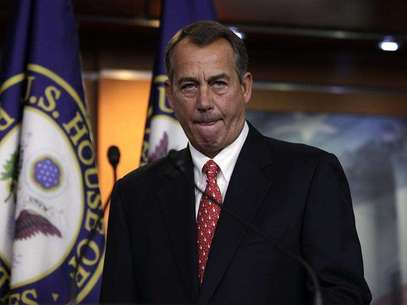 "House Speaker John Boehner (R-OH) arrives to speak to the media on the ""fiscal cliff"" on Capitol Hill in Washington, December 21, 2012. Foto: Yuri Gripas / Reuters"