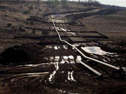 A natural gas pipeline is seen under construction near East Smithfield in Bradford County, Pennsylvania, January 7, 2012. Foto: Les Stone / Reuters