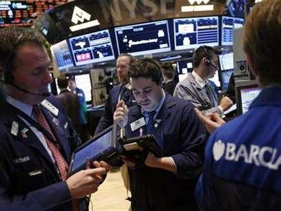 Traders work on the floor of the New York Stock Exchange, January 23, 2013. Foto: Brendan McDermid / Reuters