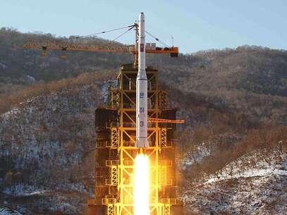 """""""No ocultamos el hecho de que los satélites y misiles de largo alcance que seguiremos lanzando y la prueba nuclear que vamos a realizar estarán dirigidas a nuestro enemigo jurado, Estados Unidos"""", señala el comunicado oficial norcoreano.  Foto: AFP"""