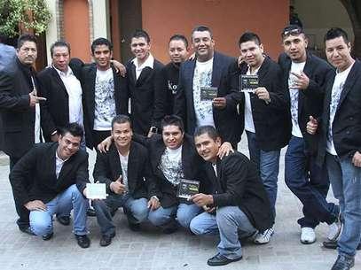 Autoridades de Nuevo León siguen trabajando en el rescate de los restos mortales de los 17 integrantes del grupo Kombo Kolombia que fueron secuestrados y posteriormente asesinados la noche del pasado viernes. Foto: AP