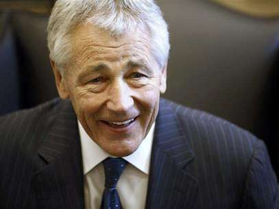 Chuck Hagel reacts during meeting on Capitol Hill in Washington in this January 23, 2013 file photo. As Hagel, President Barack Obama's nominee to lead the Pentagon, prepared to meet with senior New York Senator Chuck Schumer in mid-January, the White House stepped in and ensured that the get-together would take place quickly - and in the West Wing. Hagel, 66, a decorated Vietnam War veteran and former two-term Republican senator, emerged as a leading candidate to replace Leon Panetta almost as quickly as the defense secretary announced his retirement. Foto: Jason Reed / Reuters