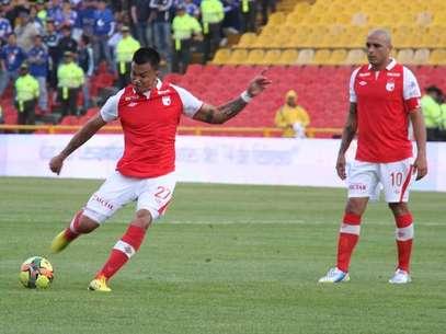 Humberto Mendoza y Omar Pérez, jugadores de Independiente Santa Fe. Foto: Cortesía de IndependienteSantaFe.CO