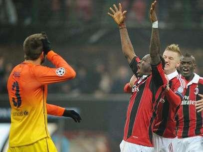 Piqué lamenta el gol del Milan ante la celebración de Muntari Foto: EFE en español