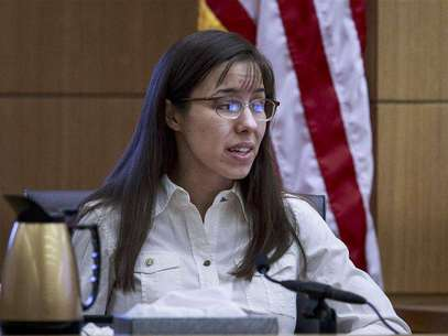 Defendant Jodi Arias testifies during her murder trial in Phoenix, Arizona February 20, 2013 for the June 4, 2008 death of Travis Alexander. Foto: Charlie Leight / Reuters