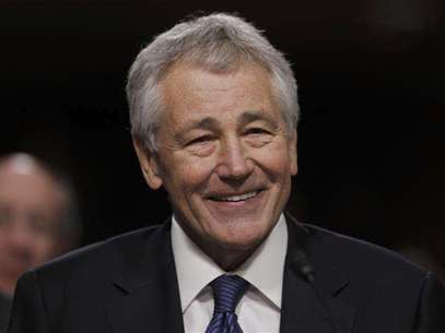 Former U.S. Senator Chuck Hagel (R-NE) testifies during a Senate Armed Services Committee hearing on his nomination to be Defense Secretary, on Capitol Hill in Washington, January 31, 2013. Foto: Kevin Lamarque / Reuters