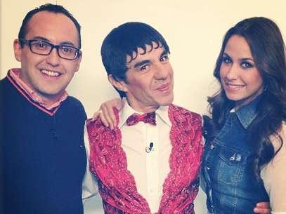 Adrián Uribe promovió el programa 'Todo Incluido' en el segmento de espectáculos de 'Primero Noticias'. Foto: Instagram