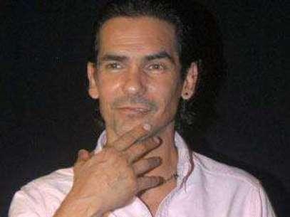 Foto: Armando Araiza intercambia mensajes de amor con Lorena Rojas / Mezcalent