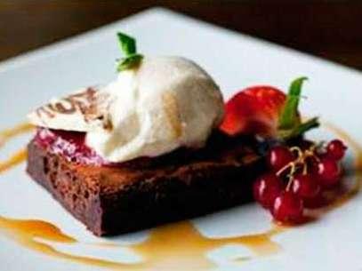 Un delicioso postre de chocolate que endulzará tu día Foto: Terra