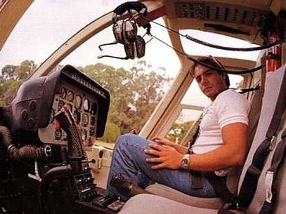 Carlitos Menem en un helicóptero, una de sus pasiones Foto: Archivo